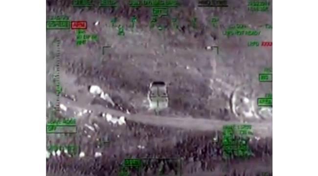 Bomba yüklü araçlar taarruz helikopterle imha edildi