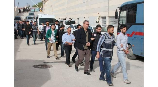 Elazığ'da FETÖ soruşturmasında 7'si öğretmen 8 şüpheli tutuklandı
