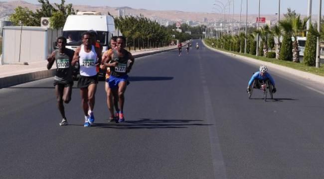 Engelli atletler Maraton'a damgasını vurdu