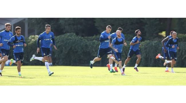 Fenerbahçe, Alanyaspor hazırlıklarını sürdürüyor