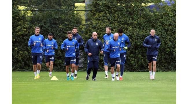 Fenerbahçe, Manchester United maçı hazırlıklarına başladı