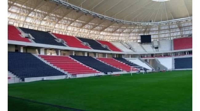Gaziantep Arena'nın kale direkleri dikildi