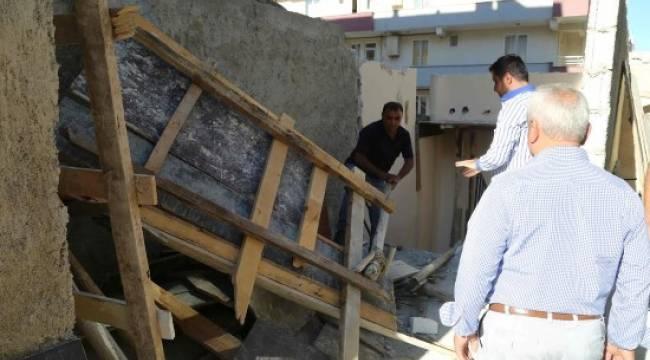 Madde bağımlılarının kullandığı metruk yapı yıkıldı