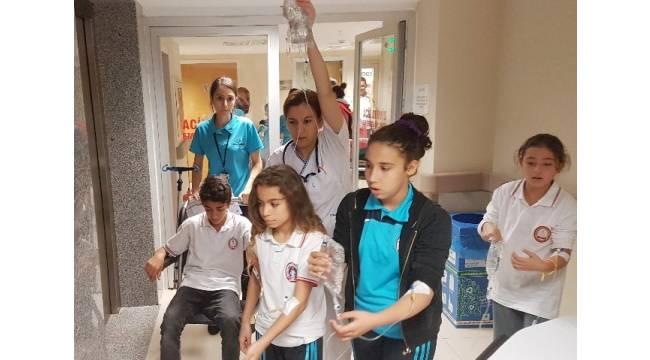 İlkokul öğrencileri sudan zehirlendi, okullar tatil edildi