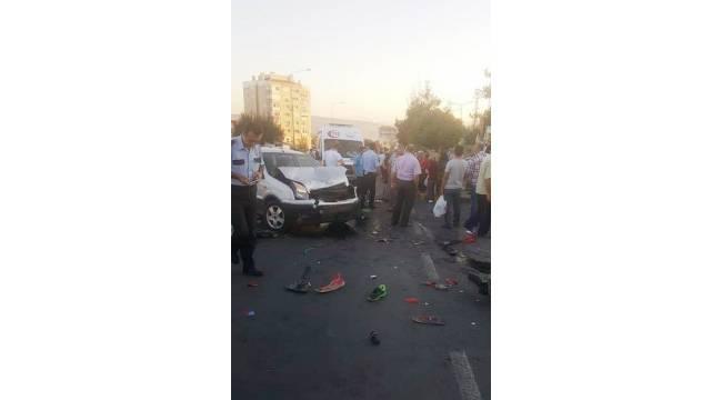 İzmir'de kaza: 2 ağır yaralı