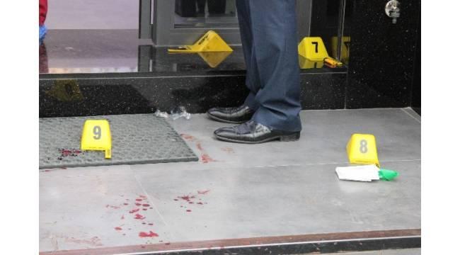 İzmir'de silahlı kuyumcu soygunu girişimi