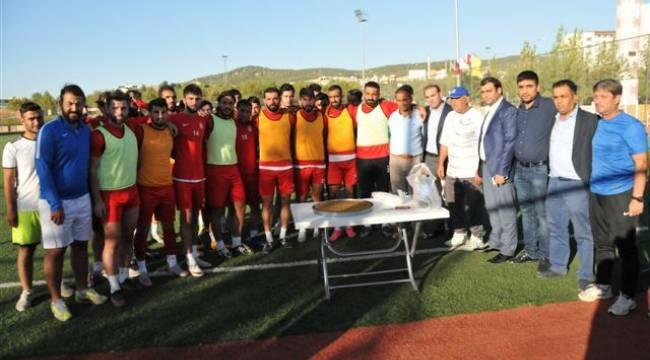 Karaköprüspor'a taraftar desteği