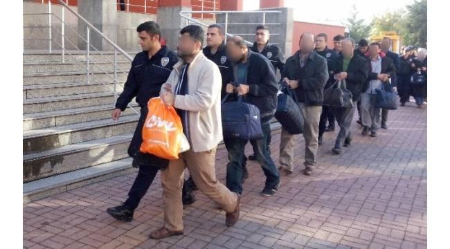Kocaeli'de 7 kamu çalışanı FETÖ'den tutuklandı