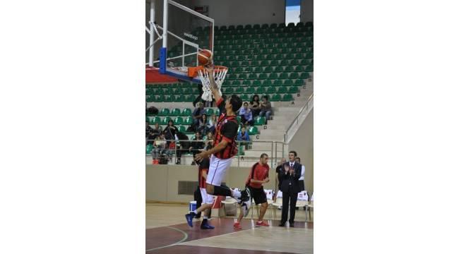 Nesine.Com Eskişehir Basket, Sakarya deplasmanında