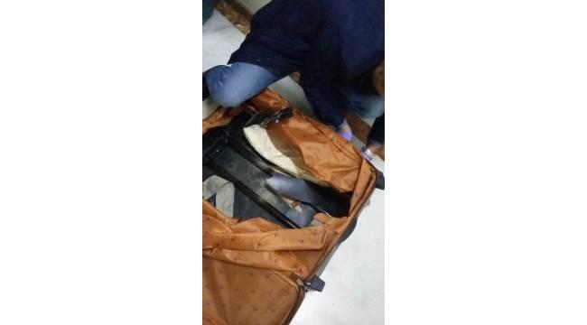 Otobüste bavul içinde 4 kilo eroin ele geçirildi