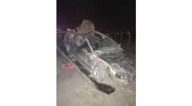Otomobil, traktöre çarptı: 1 ölü, 1 yaralı