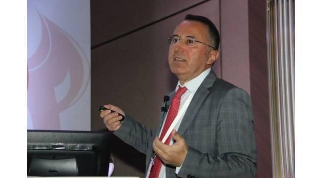 """Prof. Dr. Özdemir: """"Kanamaya bağlı anne ölümleri azalıyor"""""""