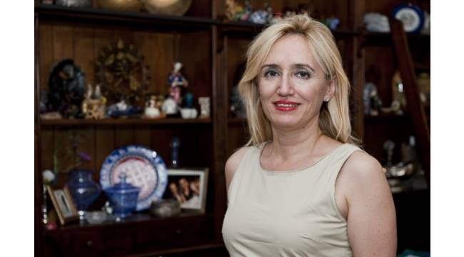 """Prof. Dr. Sıla Akhan: """"Diyaliz ünitelerinde Hepatit C oranı her ülkede yüksek"""""""