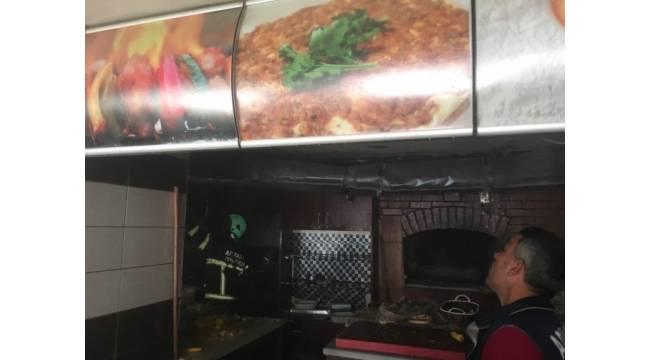 Restoranın mutfak bölümünde yangın
