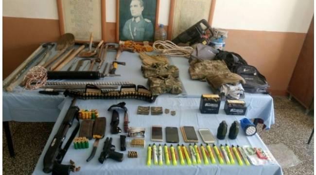 Samandağ'da kaçak kazı yapan 3 kişi yakalandı