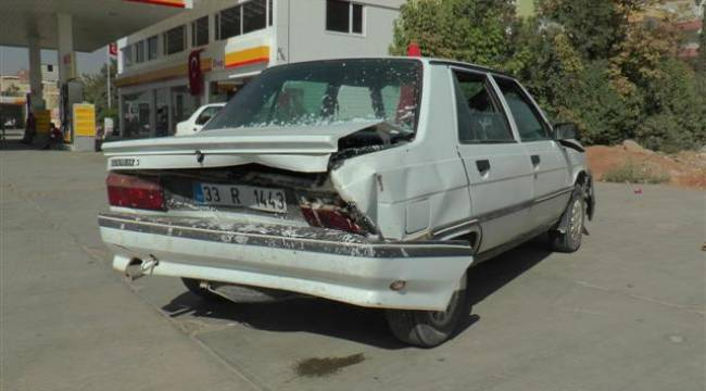 Şanlıurfa'da 3 araç birbirine girdi
