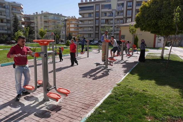 Şehit Mustafa Direkli Parkı'na yeni spor aletleri kuruldu