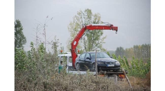 Tokat'ta mısır tarlasında bulunan lüks otomobil çalıntı çıktı