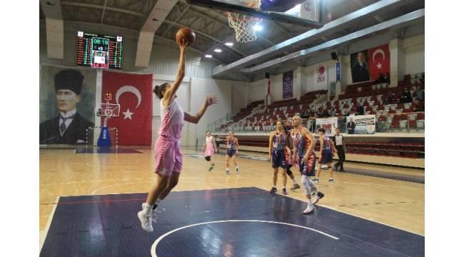 Olena Staschuk, 25 sayı attı