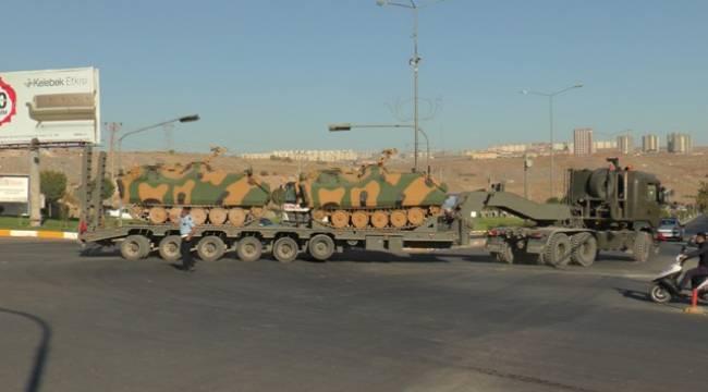 Urfa'dan Suriye sınırına askeri sevkıyat yapıldı