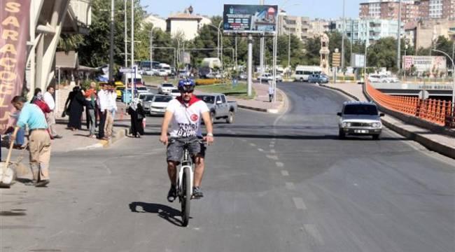 Urfalı Yaşarsoy Bisikletle Ankara'ya gidiyor