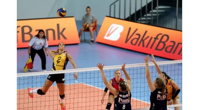 VakıfBank sezonu galibiyetle açtı