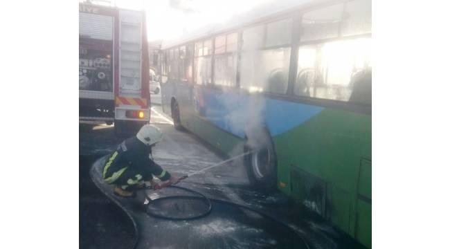 Yolcu otobüsünde çıkan yangın korkuttu