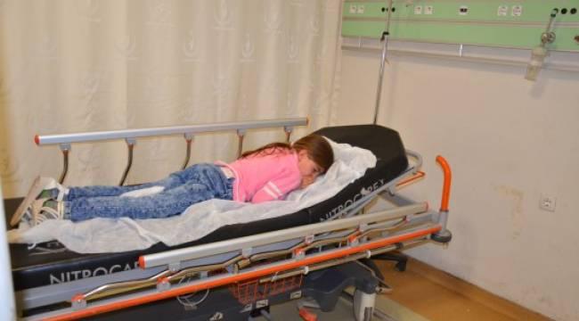 27 öğrenci hastaneye kaldırıldı