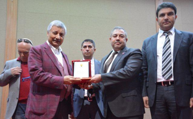 AK Parti Birecik Teşkilatına performans ödülü