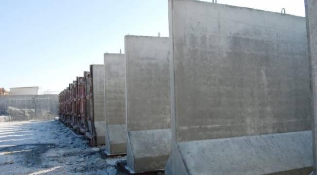 Akçakale'de sınıra duvar örülüyor