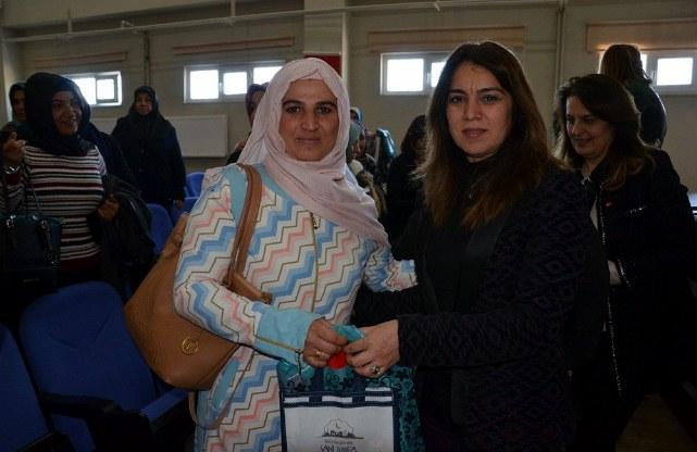 Anne Kız Elele konferansı gerçekleşti