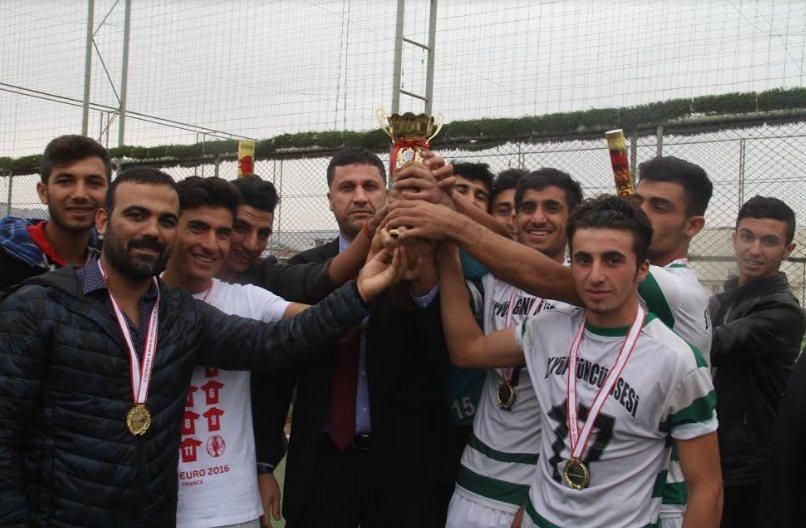Halı saha turnuvasının Şampiyonları belli oldu