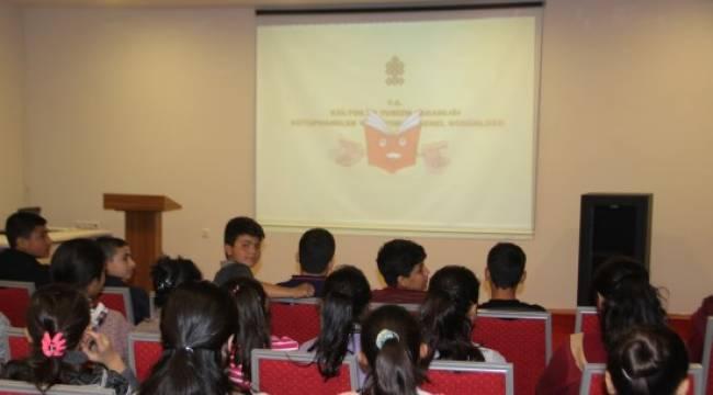 Halk Kütüphanesinde çocuklara seminer