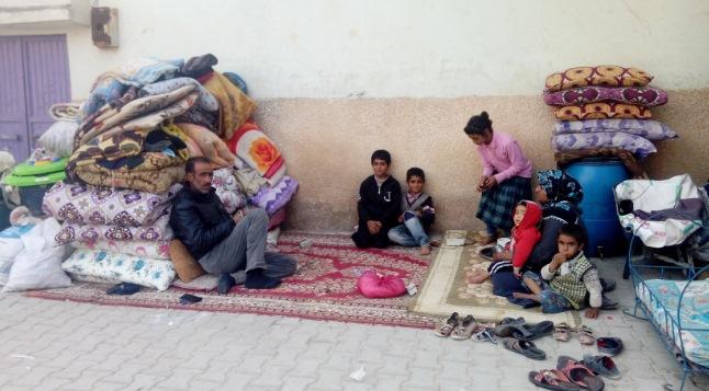 Kirayı ödeyemeyince çocuklarıyla sokakta kaldı