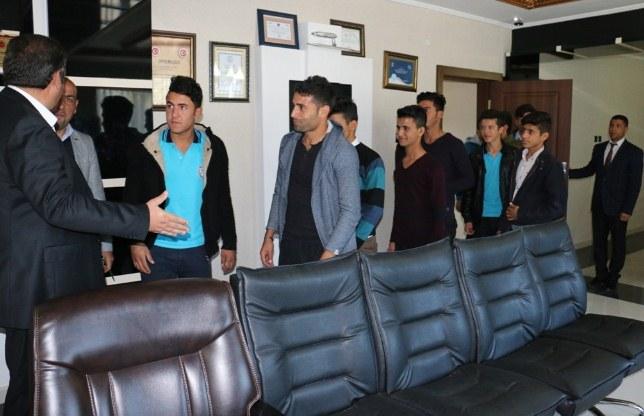 Öğrencilerden Ayhan'a teşekkür ziyareti