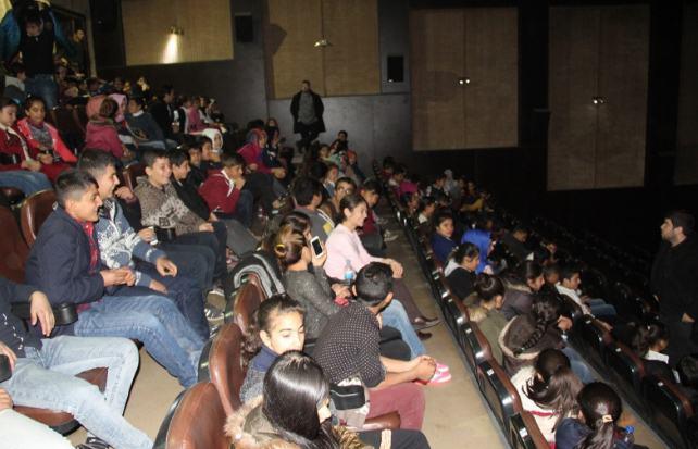 Öğrencilere sınav öncesi sinema morali