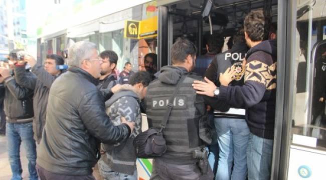 Şanlıurfa'da kaçaklara operasyon: 35 gözaltı
