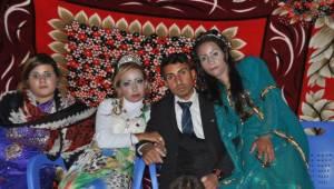 Sınırın Sıfır noktasında Düğün yaptılar