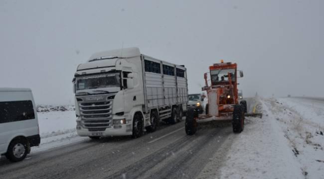 Siverek-Diyarbakır karayolu kapandı