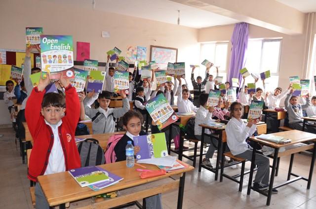 Siverekli Öğrenciler İngilizce öğreniyor