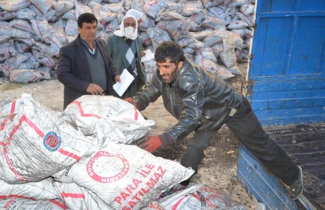 Viranşehir'de 2500 aileye kömür yardımı