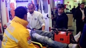17 Yaşındaki Sürücü Öğrenci servisine çarptı