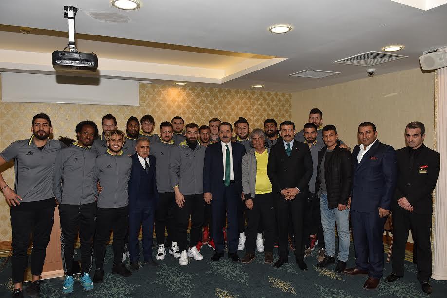 Bakan Çelik, Şanlıurfaspor'a başarılar diledi