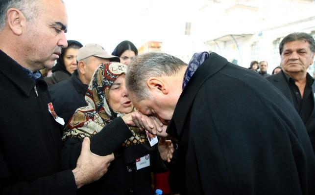 Cumhurbaşkanımız Urfalı Şehit Annesini onurlandırdı