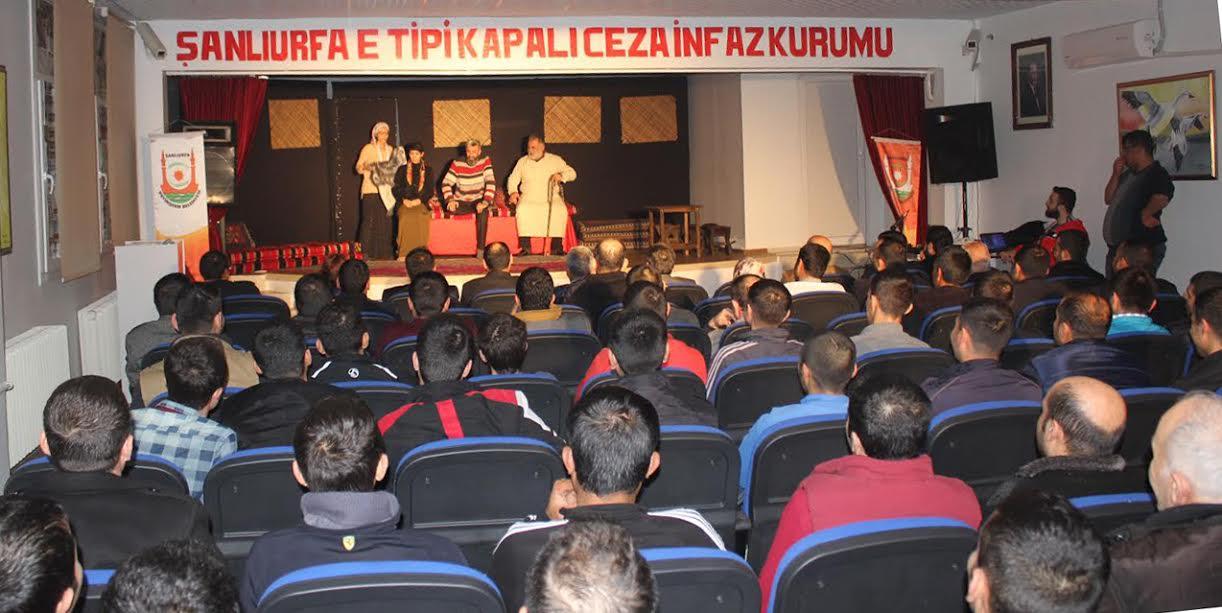 E Tipi Kapalı Ceza evi Mahkumlarına Tiyatro sürprizi