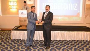Feyat Asya'ya bir ödülde ESVED Derneğinden