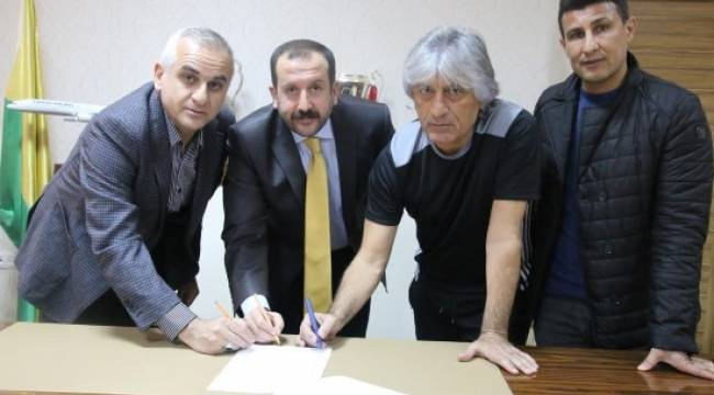 Kemal Kılıç imzayı attı