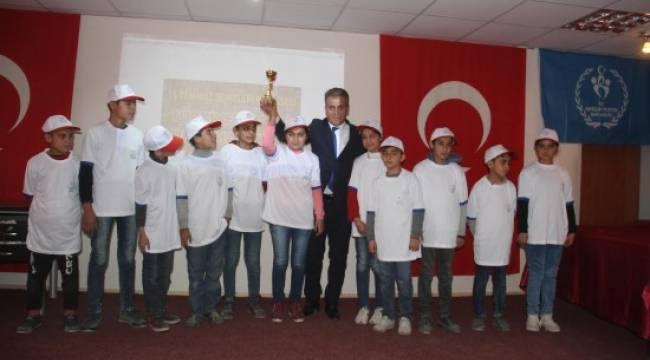 Mülteci çocuklar kardeşlik için yarıştı