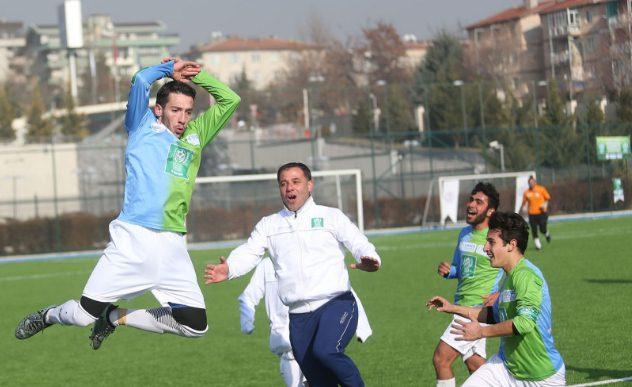 Suriyeli gençlerin entegrasyonu için futbol turnuvası sona erdi