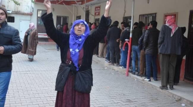Suriyelilere 100 TL yardım